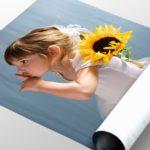 фото ребенка на постерной бумаге